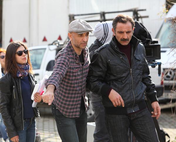 Kaçak dizisi Yönetmeni Volkan Kocatürk soluk kesen  aksiyon sahnelerini  anlattı